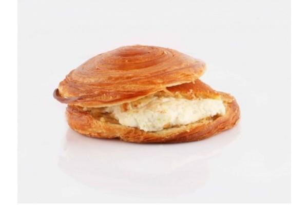 Knefe Kashta (Croissant)