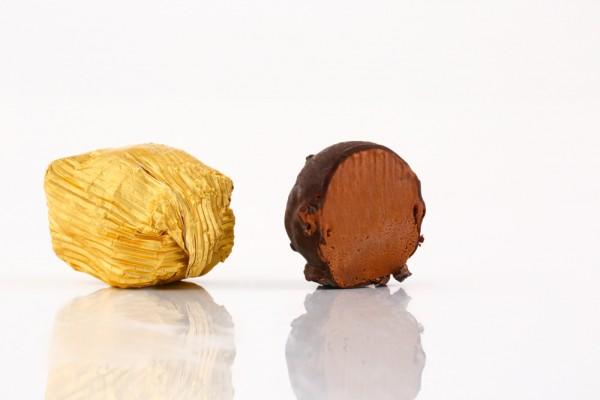 بوظة مغطسة بالشوكولا